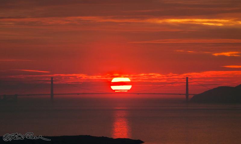Centered Golden Gate Sunset